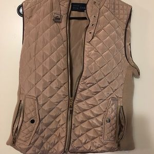 Nude-brown Quilted vest